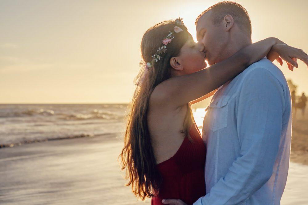 Bedeutung am hals küssen Beziehung: Diese