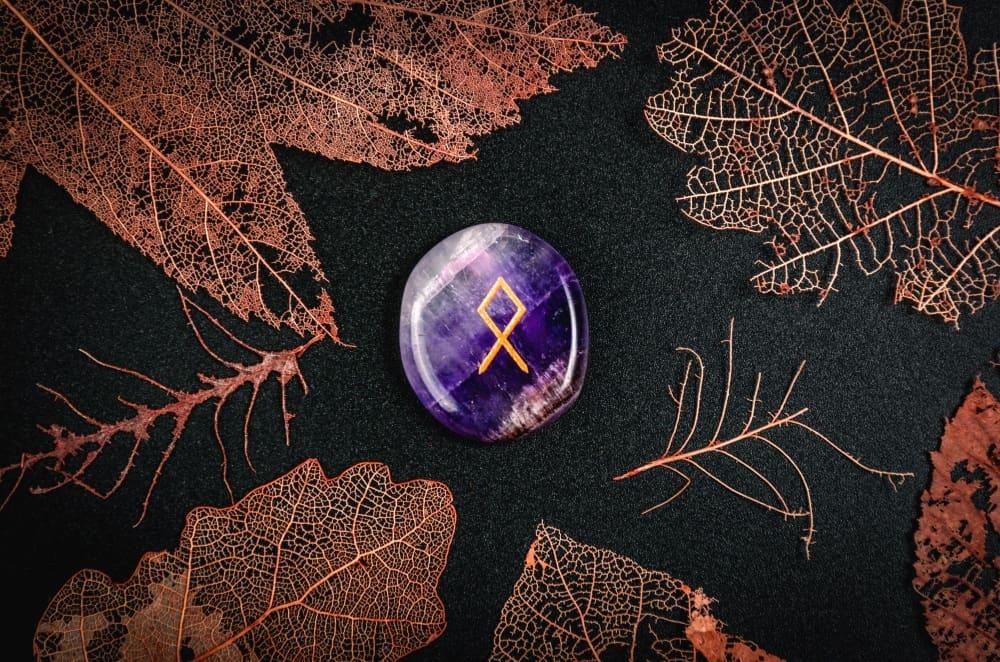 Othala: Die Rune des Vaterlands und der Ahnen