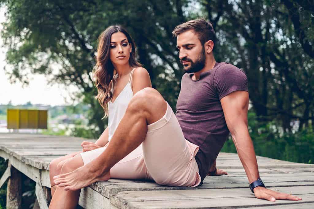 12 Zeichen, dass du das Interesse an deinem Partner verloren hast