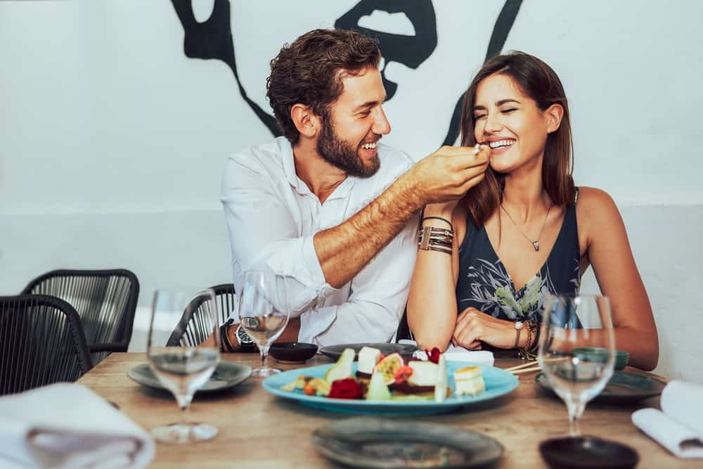 6 kontrollierende Sternzeichen, die ihren Partner dazu bringen, alles für sie zu tun