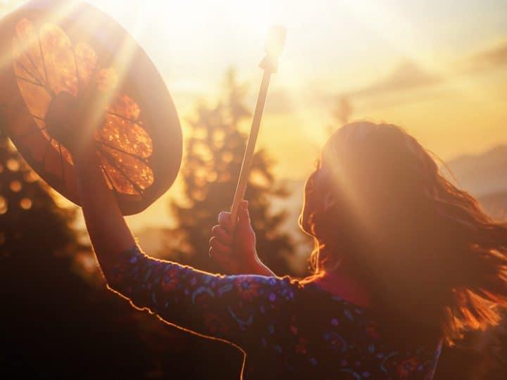20 Zeichen, dass Sie ein spirituelles Erwachen erleben und wie Sie es genießen können
