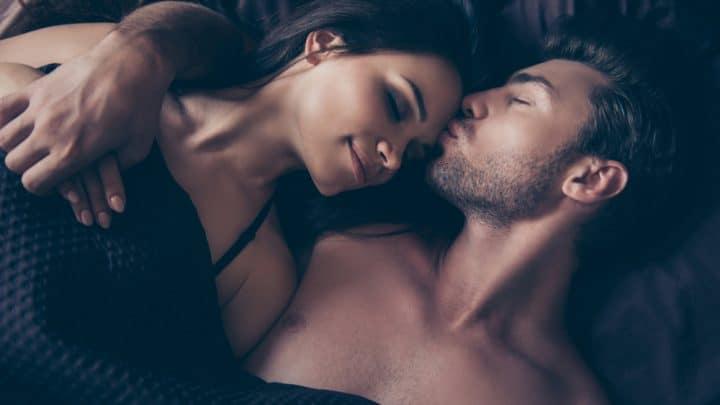 Diese 5 Zeichen können nicht schlafen, wenn ihr Partner nicht neben ihnen liegt