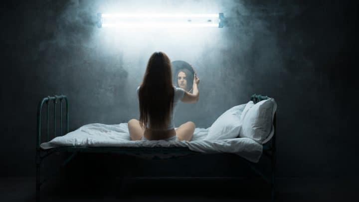 4 Zeichen, dass Ihr niedriges Selbstvertrauen durch eine negative Umgebung verursacht wird